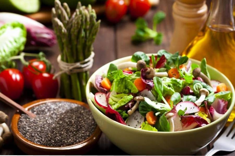 Hấp dẫn hơn với món salad hạt chia